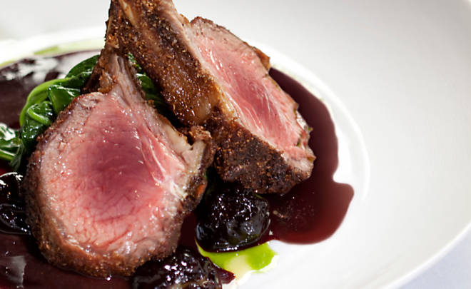 Bò beefsteak sốt vang đỏ, nhahangphap.com